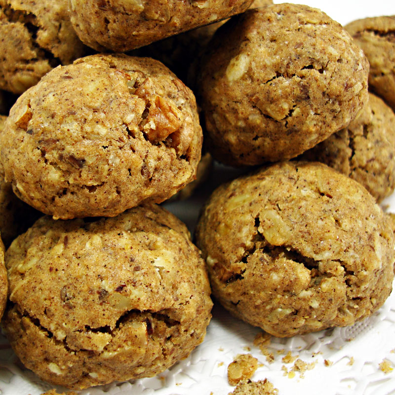 2013_Well-Rounded-Oatmeal-Cookies_01